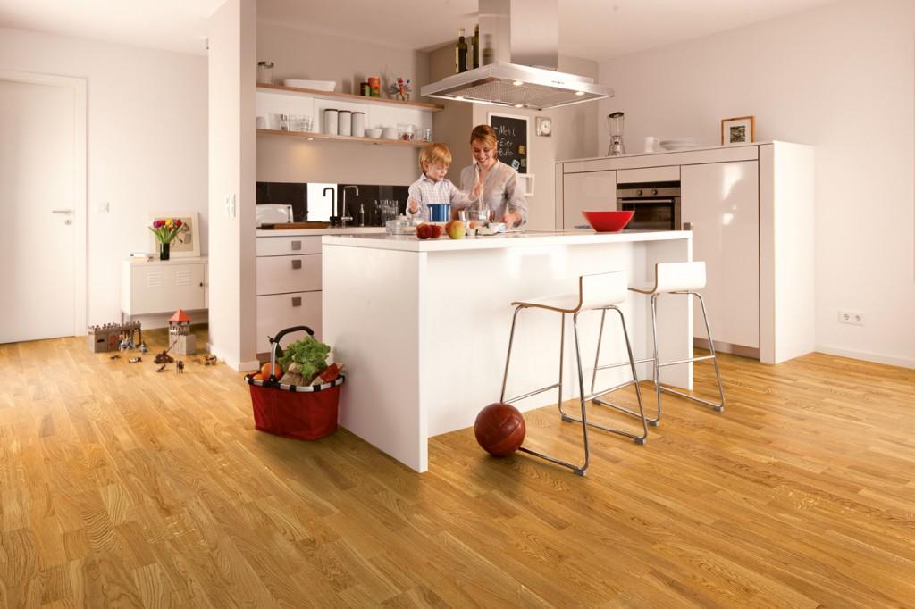 suelo parquet en cocina